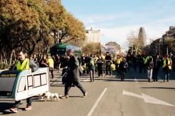 La marcha avanza por el cruce con Aragó
